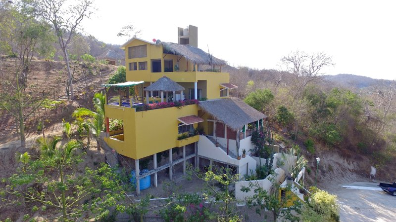 Heavenly Villa is the perfect destination for a group of 18, or a couple seeking seclusion. - Heavenly Villa,   $75 with Free Mexican Breakfast - Huatulco - rentals