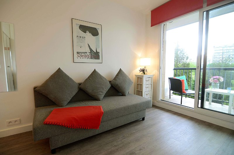 Cozy & Modern Studio with Balcony at Port Royal - Image 1 - Paris - rentals