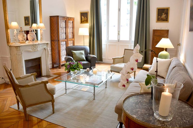 Classic 2BR French apartment at the Eiffel Tower - Image 1 - Paris - rentals