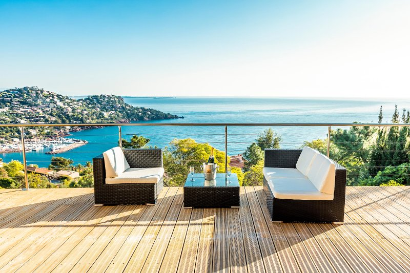 view from the terrace - Lovely Villa, heated pool, dazzling sea views - Théoule sur Mer - rentals