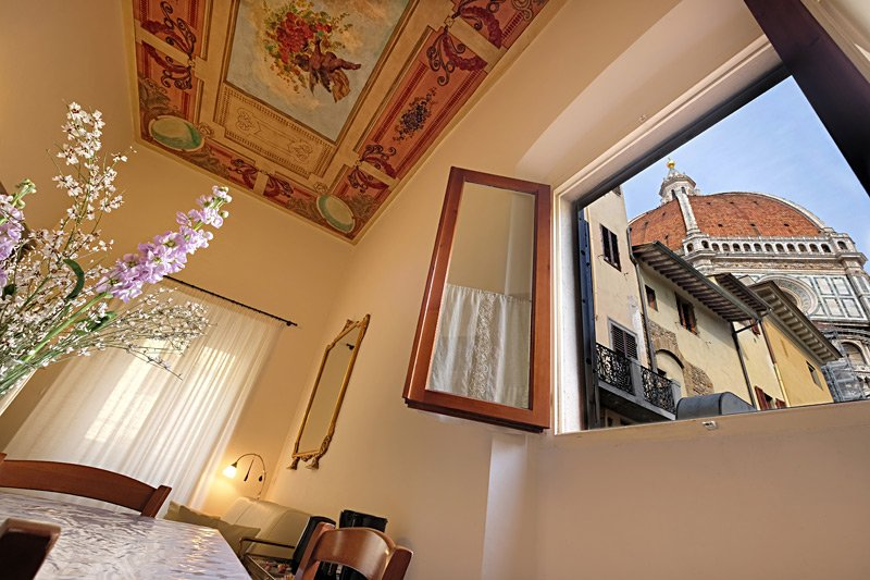 Cozy Apartment with a Unique View of the Duomo - Image 1 - Florence - rentals