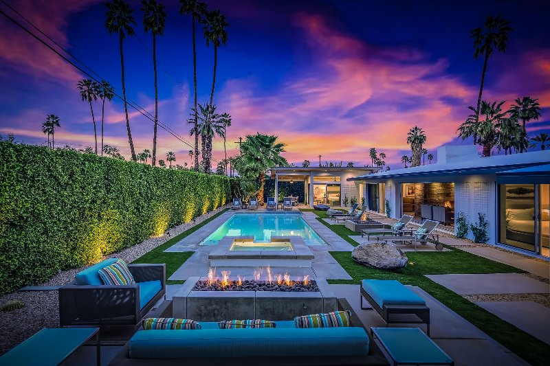 Champagne Dream, Sleeps 8 - Image 1 - Palm Springs - rentals