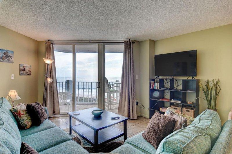 Living Room - St. Regis 2510 Oceanfront! | Indoor Pool, Outdoor Pool, Hot Tub, Tennis Courts - North Topsail Beach - rentals
