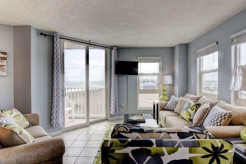 Living Area - St. Regis 1401 -1BR_6 - North Topsail Beach - rentals