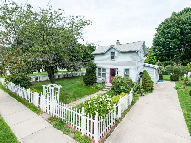 The Maples. 1 Block to Kids Corner, 2 Blocks to Beach. - Image 1 - South Haven - rentals