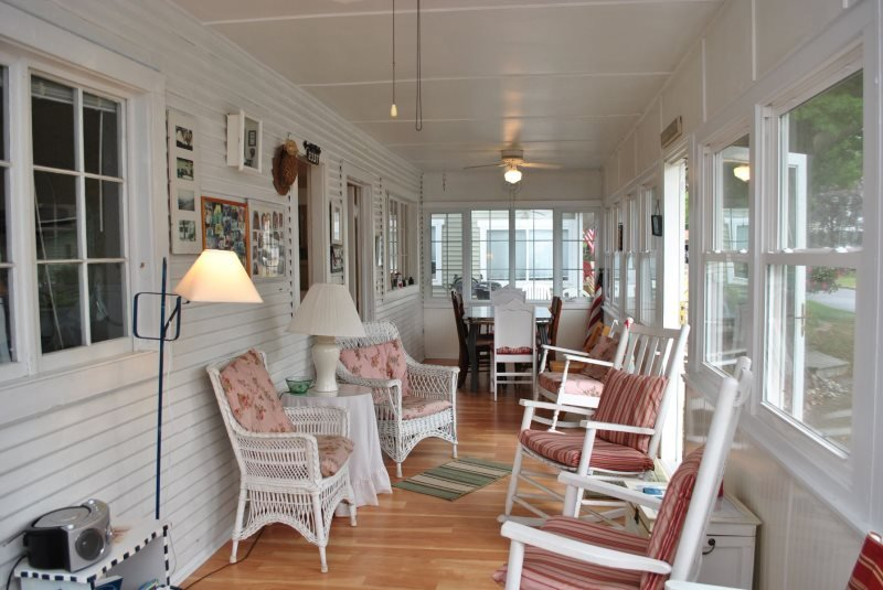 The Martin - Cozy Cottage for The Family Vacation - Image 1 - South Haven - rentals
