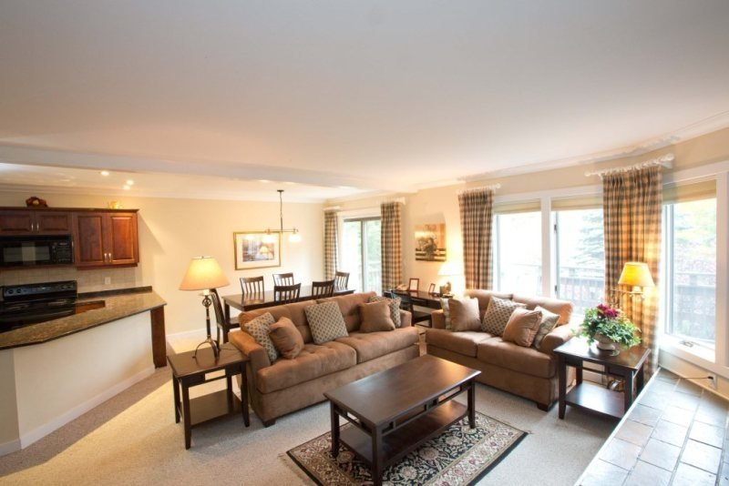 Luxurious 3 Bedroom Resort Home at Topnotch Perfect for a Summer Seasonal - Image 1 - Stowe - rentals
