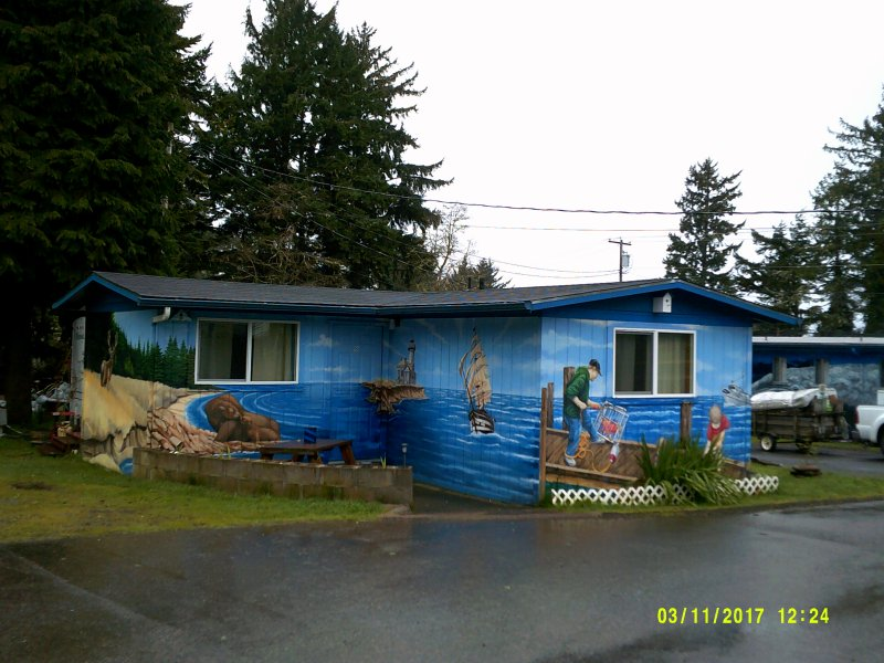Mural cabin on the coast. - Image 1 - Coos Bay - rentals
