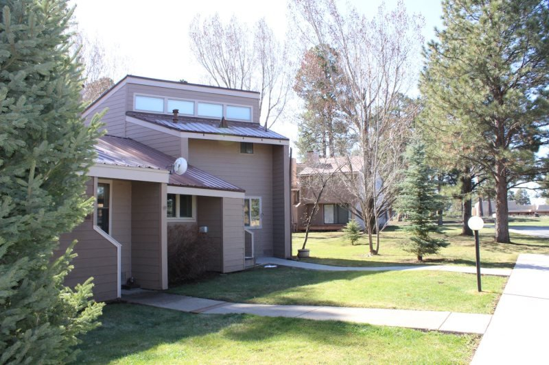 Pines 4013 is a cozy vacation condo in Pagosa Springs, close to the golf course. - Image 1 - Pagosa Springs - rentals