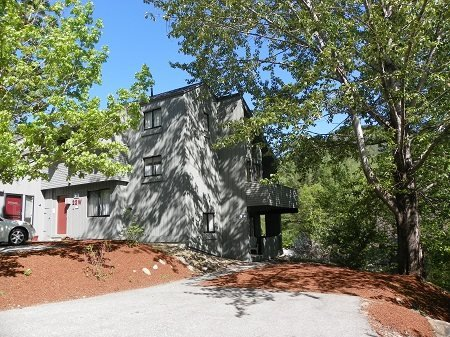 Roomy Vacation Condo across from Loon Mountain Resort - Image 1 - Lincoln - rentals