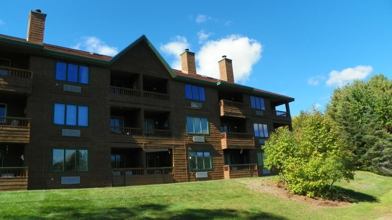 3 Bedroom Deer Park Condo on Lake and close to Recreation Center - Image 1 - North Woodstock - rentals