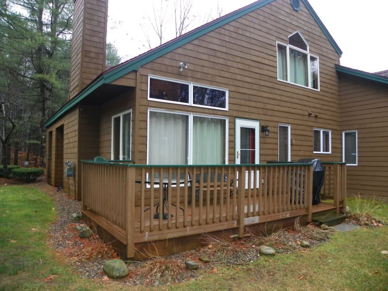 Deer Park Condo Sleeping 8 with free shuttle to Loon Mountain - Image 1 - North Woodstock - rentals