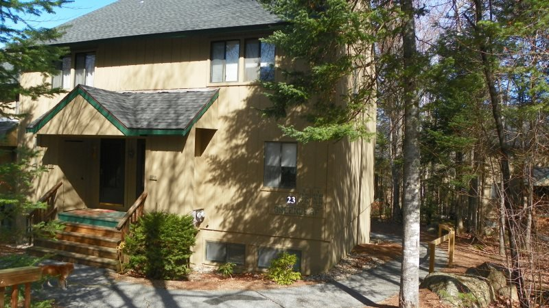 Pet Friendly Waterville Valley Condo with White Mountain Athletic Club - Image 1 - Waterville Valley - rentals