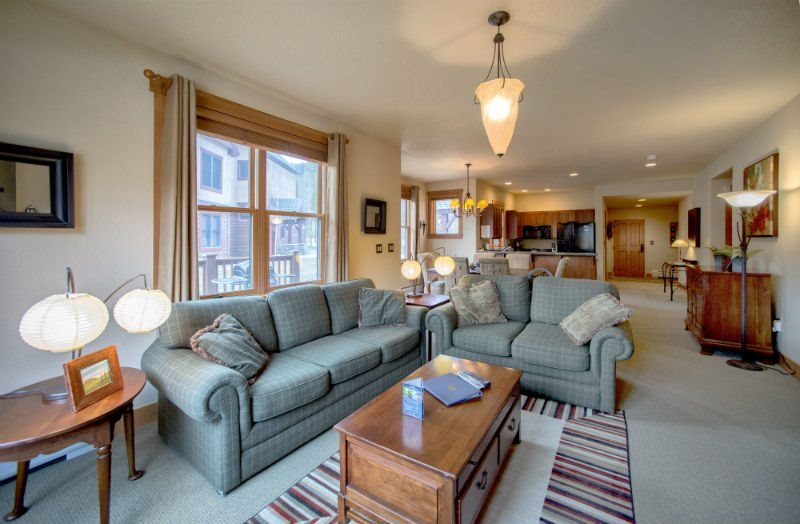 Red Hawk Townhomes 2333 - Granite counters, spacious with washer/dryer, private - Image 1 - Keystone - rentals