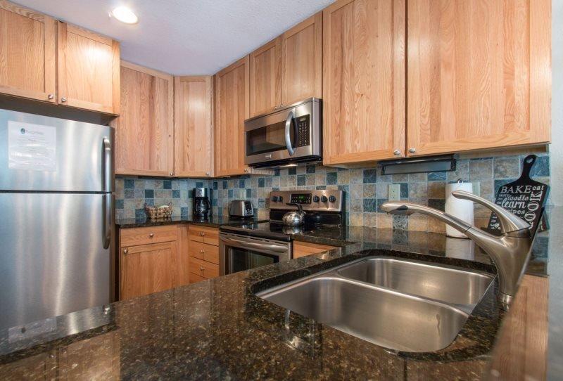 Ski Run Condominiums 404 - Completely remodeled, walk to slopes, ski area views! - Image 1 - Keystone - rentals