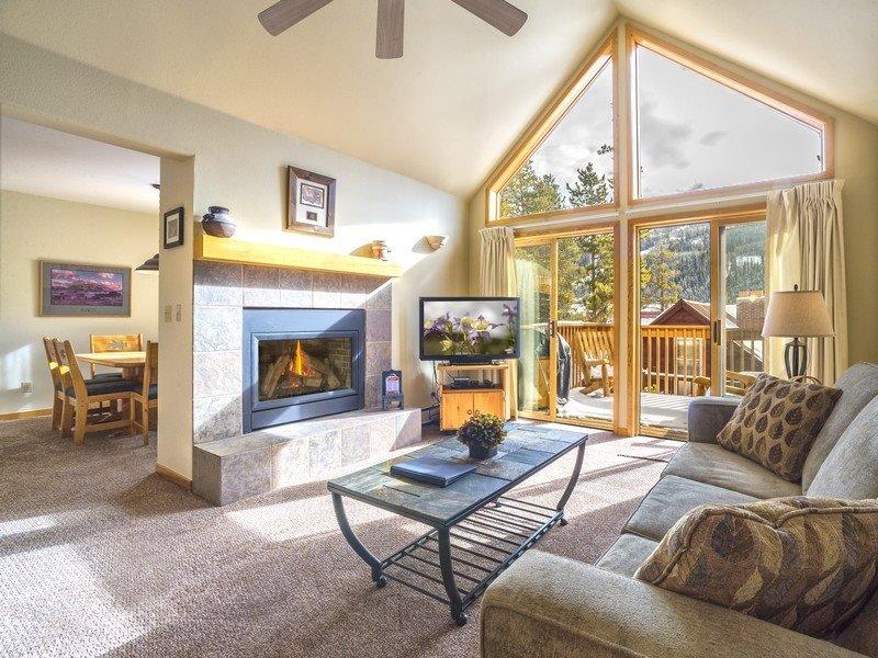 Snake River Village 29 - Walk to slopes, washer/dryer, private garage, 2nd - Image 1 - Keystone - rentals