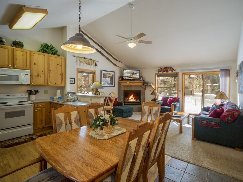 Snake River Village 44 - Walk to slopes, washer/dryer, private garage, ground - Image 1 - Keystone - rentals
