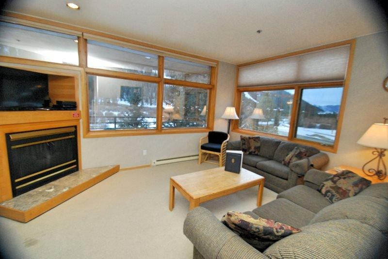 River Bank Lodge 2925 - River Run Village at a low low rate! - Image 1 - Keystone - rentals