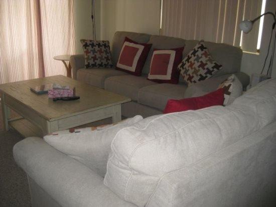 ONE BEDROOM PLUS DEN CONDO ON EAST PORTALES - 1CWEA - Image 1 - Palm Springs - rentals