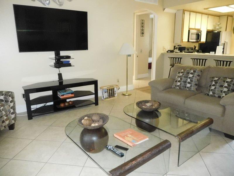 THREE BEDROOM VILLA ON LAGOS - 3CPER - Image 1 - Palm Springs - rentals