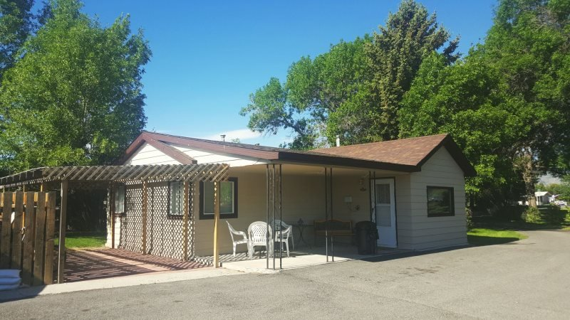 M-Lou`s Place - Image 1 - Cody - rentals