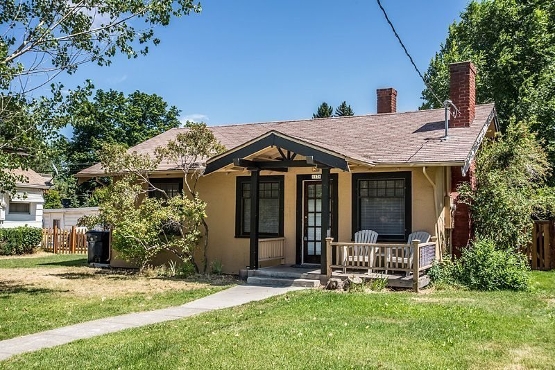 Walk Everywhere! Perfect Location, Bright and Cheerful Columbia Cottage - Image 1 - Bend - rentals