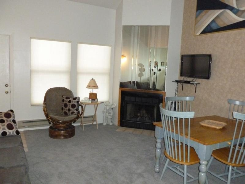 Beautiful Condo with Views of Eden and Wolf Mountain - Image 1 - Eden - rentals