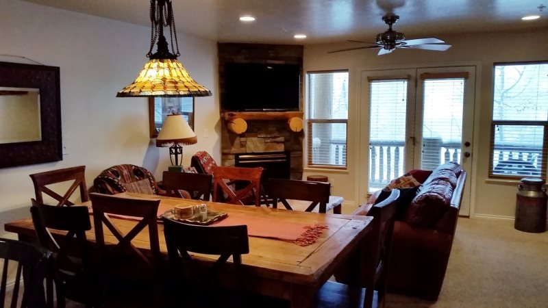 Deluxe 3 BR condo with a rear walkout directly to the hot tub - Image 1 - Eden - rentals