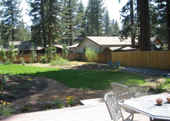V23-Fantastic Tahoe cabin near the Lake with fenced backyard, hot tub, pets - Image 1 - South Lake Tahoe - rentals