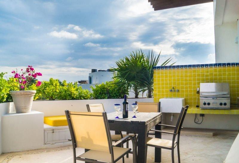 Private getaway One bedroom suite - Image 1 - Playa del Carmen - rentals