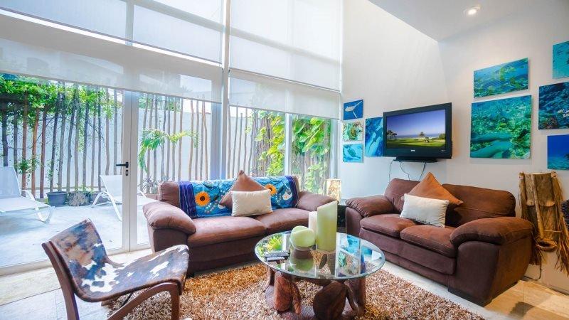 Ground Floor 1 Bedroom Home with direct Pool access - Image 1 - Playa del Carmen - rentals