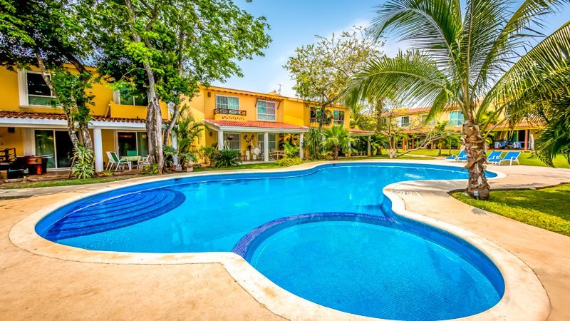 Private and quite Townhouse in Playacar gated community - Image 1 - Playa del Carmen - rentals