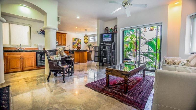 2 Bedroom Condo with Elevator and Roof Top Terrace - Image 1 - Playa del Carmen - rentals