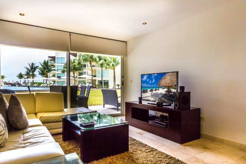 2 Bedroom condo directly off of the the HUGE pool - Image 1 - Riviera Maya - rentals