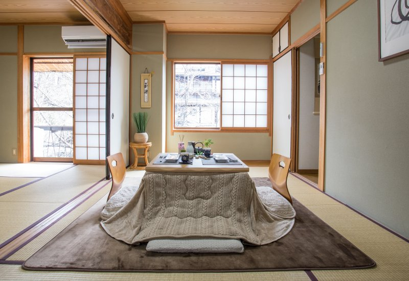 Warning: professional photos taken with wide angle. Everything seems bigger. - Sakura River Inn 2 - Kyoto - rentals