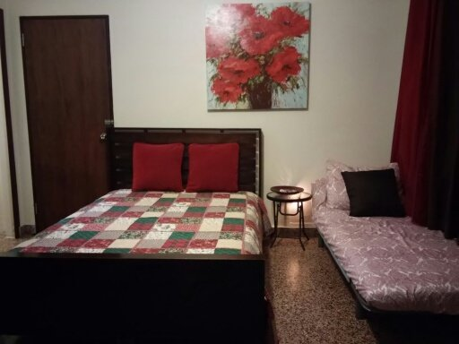 Reddish unit with full bed, twin bed, patio and options to cook. - Clean, Comfy, Wifi, Cable and.beach! - San Juan - rentals