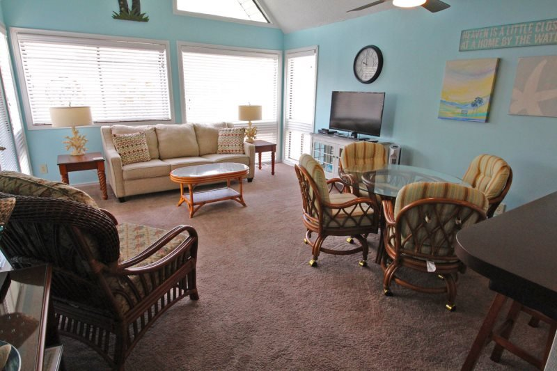 Awesome Vacation Condo ....Tommy Bahama meets Jimmy Buffet..12348 - Image 1 - Arcadian Shores - rentals