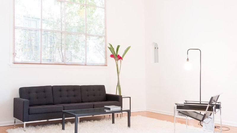 Tasteful 2 Bedroom Apartment in the Hollywood Hills - Image 1 - Los Angeles - rentals