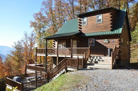 Sunrise Above the Clouds - Upscale Getaway with Hot Tub and 2 Gas Fireplaces - Image 1 - Bryson City - rentals