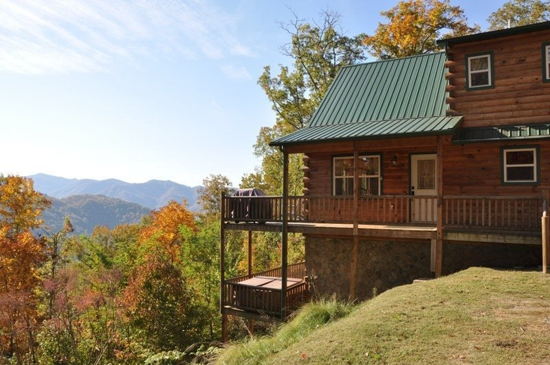 Just Like Bearadise - Mountainside Authentic Log Cabin with Stunning View - Image 1 - Bryson City - rentals