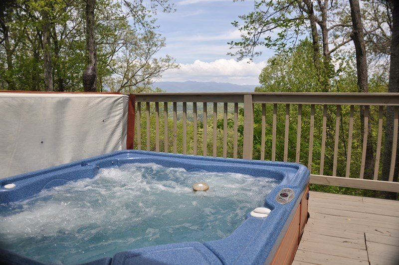 Mountain River Retreat - Log Cabin with Screened Porch, Hot Tub, and Wi-Fi - Image 1 - Bryson City - rentals