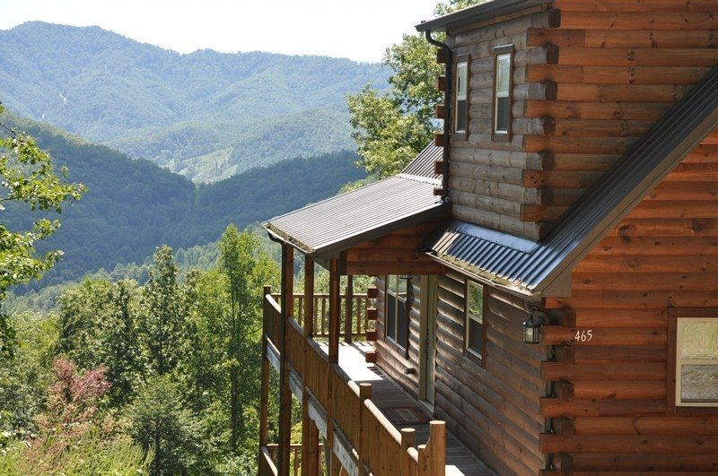 Sun Eagle Lodge - Spectacular View - Loaded with Stylish Amenities and - Image 1 - Bryson City - rentals