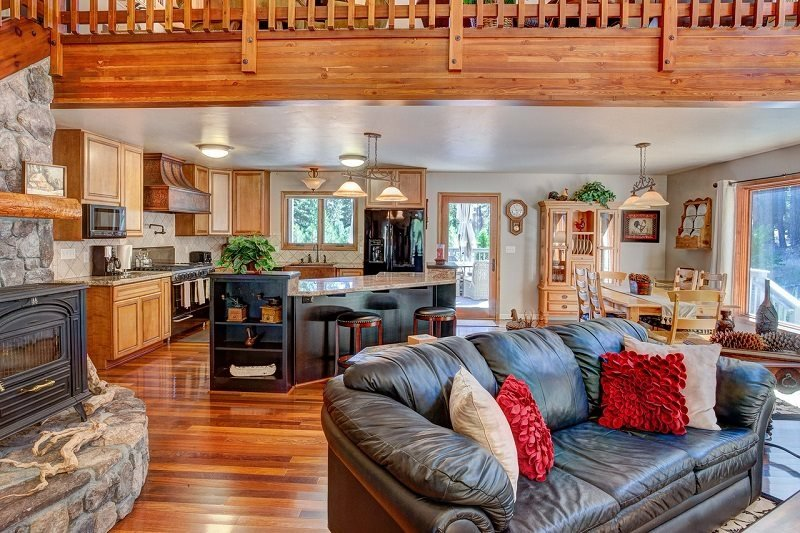 #523 EUREKA SPRINGS Gorgeous Home with outstanding amenities and finishes - Image 1 - Graeagle - rentals