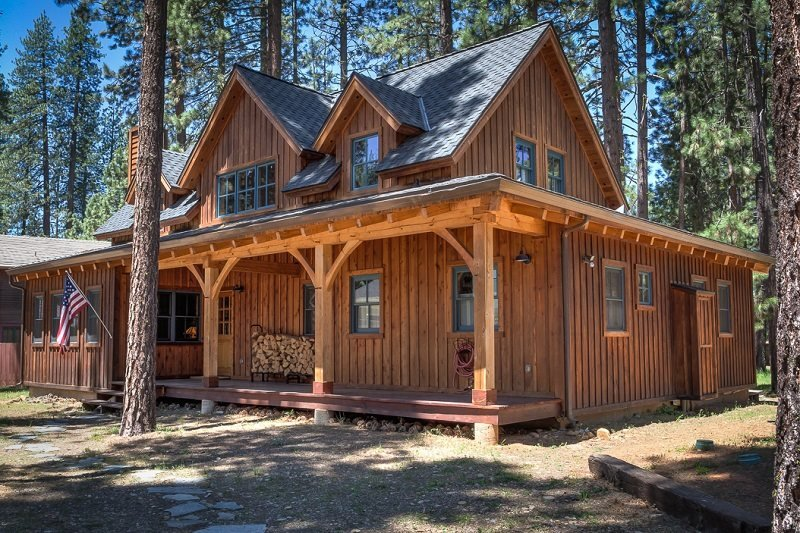 #307 LUNDY LANE Gorgeous Cedar Cabin with Apartment over the garage $370.00 - Image 1 - Graeagle - rentals