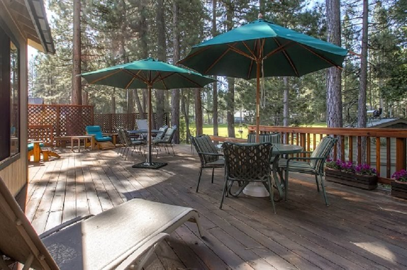 #44 SEQUOIA Huge deck! $240.00-$275.00 BASED ON DATES AND NUMBER OF NIGHTS - Image 1 - Plumas County - rentals