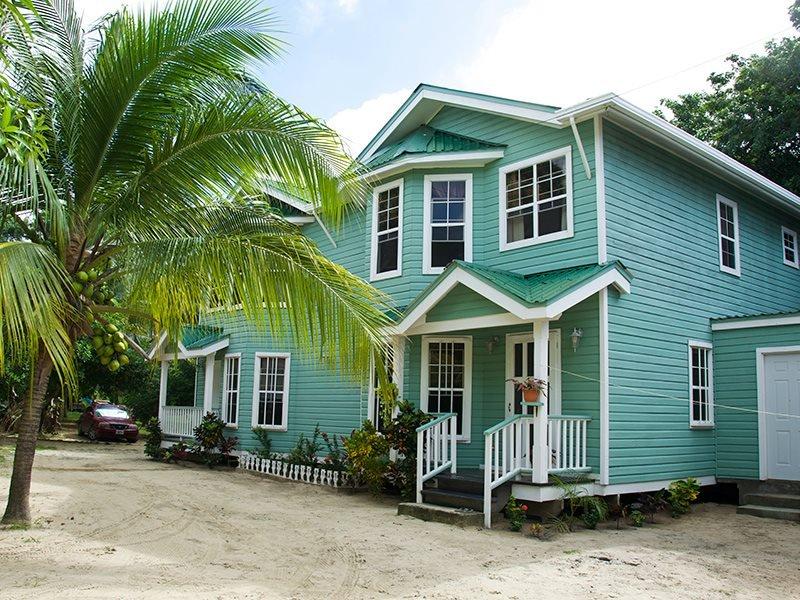 Bonito Beach Apartment - Image 1 - West Bay - rentals
