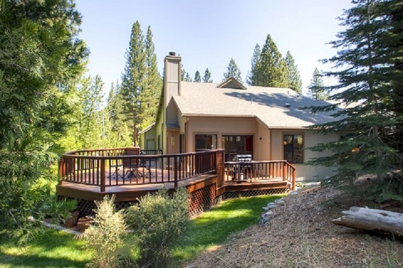 #110 TAMARACK Gorgeous Deck, on the golf course $225.00-$255.00 BASED ON DATES - Image 1 - Plumas County - rentals