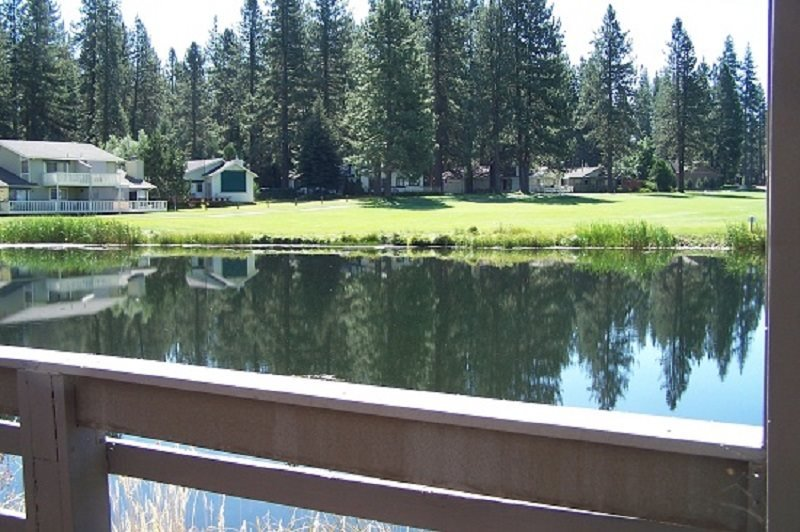 #56 PONDEROSA On the Pond! $125.00-$160.00 BASED ON DATES AND NUMBER OF NIGHTS - Image 1 - Graeagle - rentals