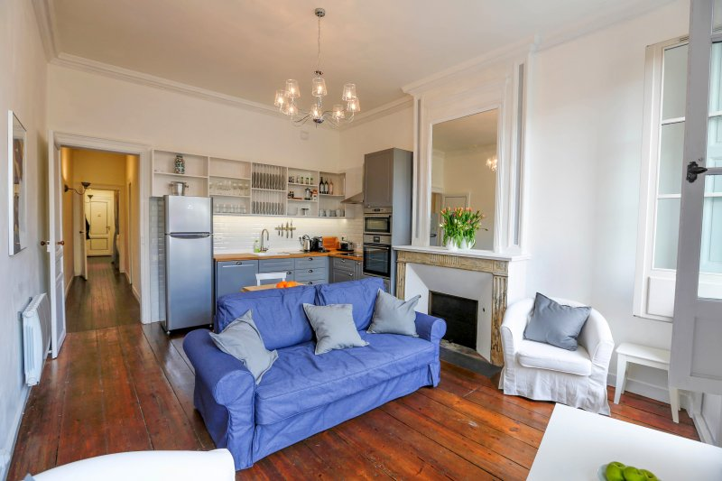 Bordeaux Grand Bell's comfortable living room - Bordeaux Grand Bell - 2 bedroom, 2 bathroom, historic centre - Bordeaux - rentals