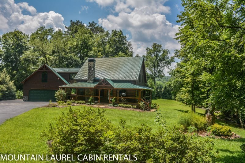 SUGAR CREEK--LUXURY 3 BEDROOM LOG CABIN WITH CREEK FRONTAGE, GAME ROOM, Wi-Fi - Image 1 - Blue Ridge - rentals